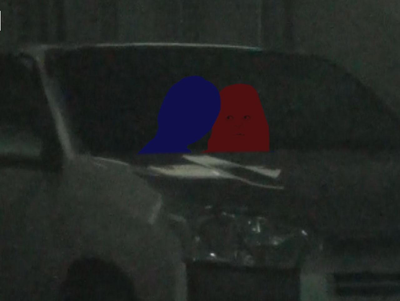 車内でイチャイチャ画像01